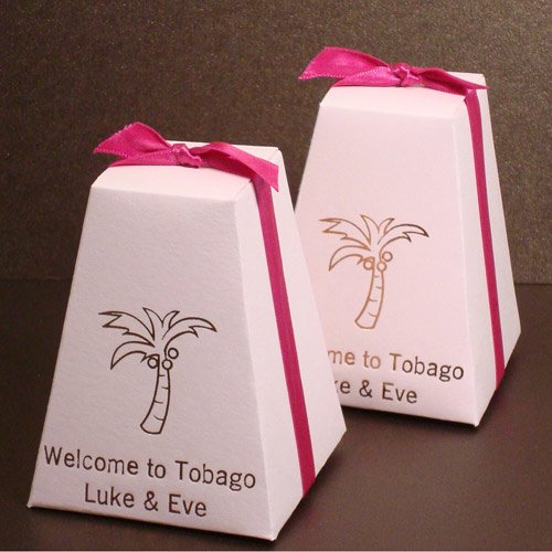 Personalized Pedestal Wedding Favor Box