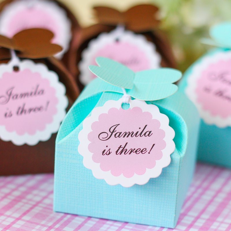 Personalized Scalloped Birthday Gift Tags